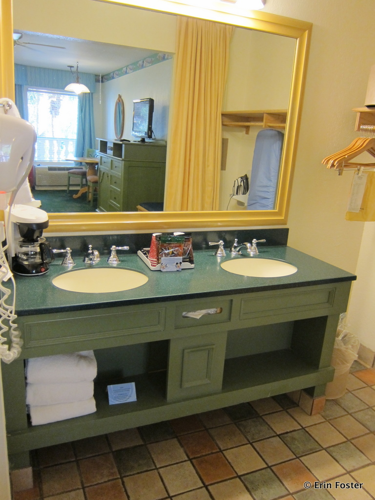 choosing a disney world hotel it 39 s all about the bathroom blog. Black Bedroom Furniture Sets. Home Design Ideas
