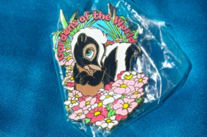 Commemorative Gardens of the World Tour Pin