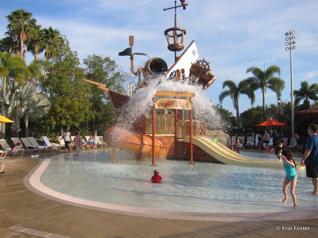 Caribbean Beach Resort, children's aquatic play area. Note the large water dump feature.