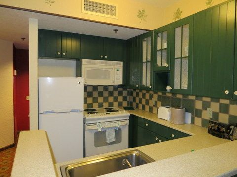 The one, two, and three bedroom villas and the Fort Wilderness cabins all include a full kitchen.