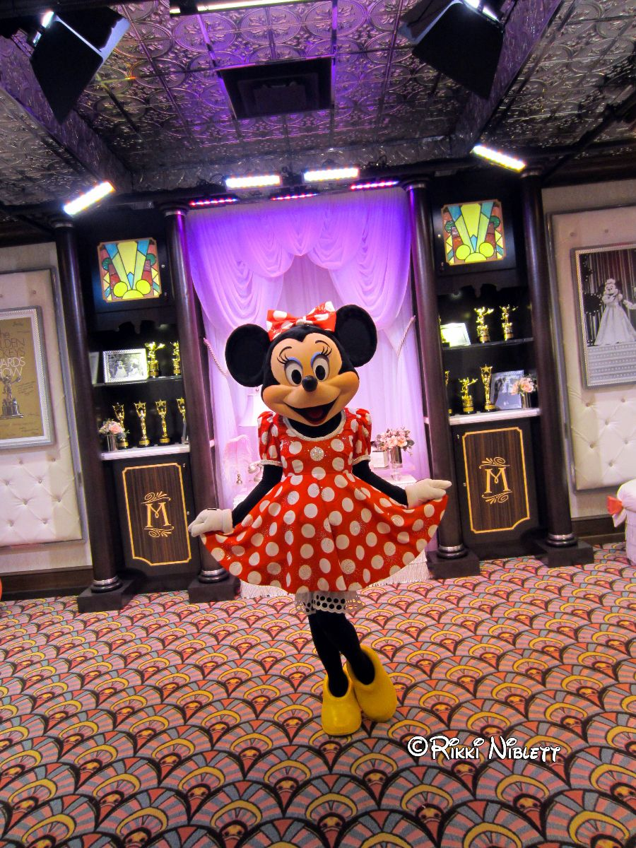 Minnie Mouse Meet at DHS