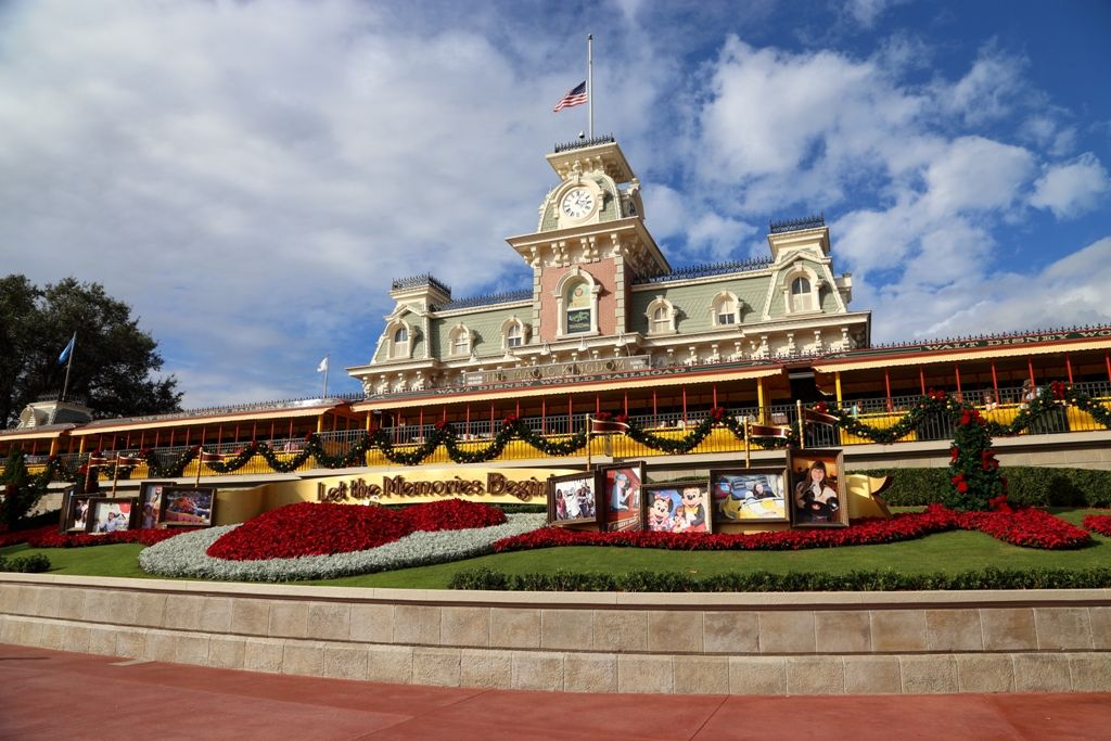 Christmas Magic Kingdom Disney World Touringplans
