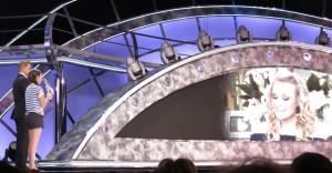 "Carrie Underwood ""talks"" to Josie, encouraging her to follow her dreams."