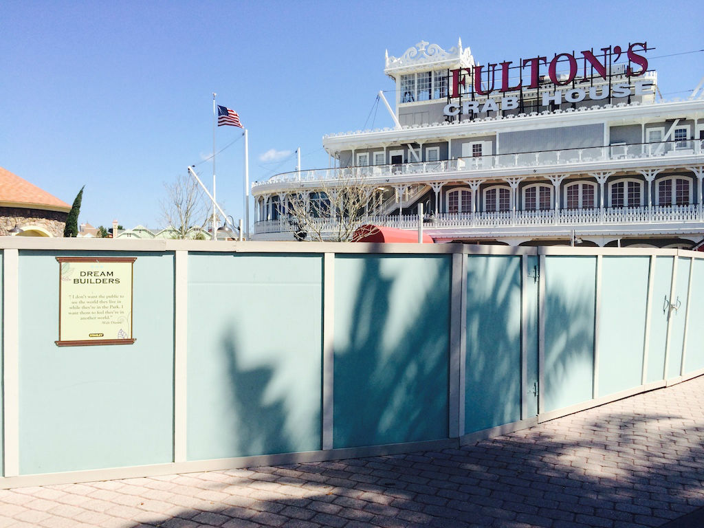 DowntownDisney_walls