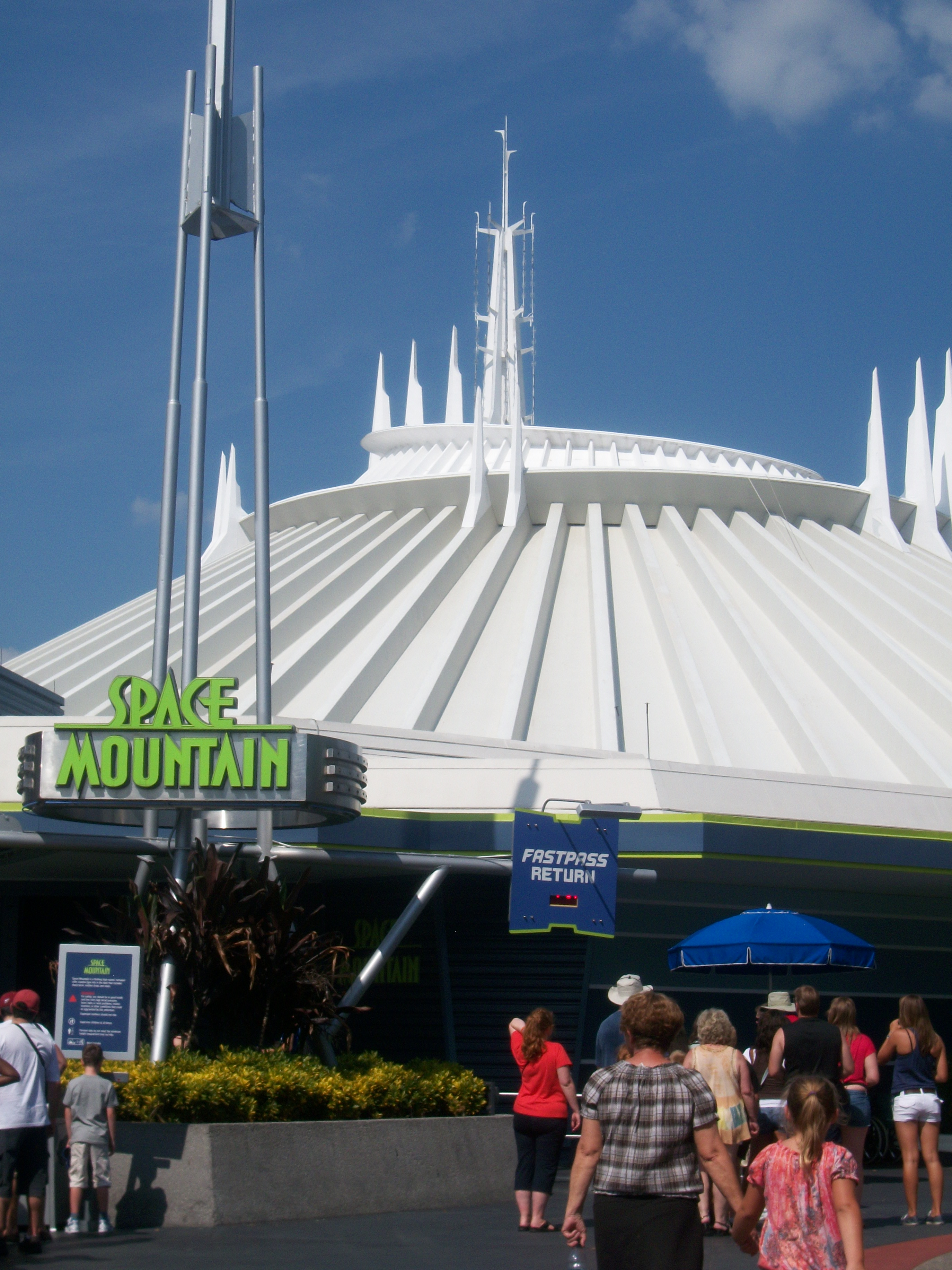 memoir on disney world Memoir disney world  have you ever been to disney worldi have when i was 6 years old it was my first time therewhen we went on the plane i was a little scared because i never been on.